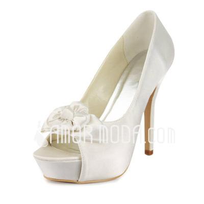 Vrouwen Satijn Stiletto Heel Peep Toe Plateau Sandalen met Satijnen Bloem (047011815)