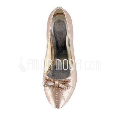 Vrouwen Satijn Stiletto Heel Closed Toe Pumps met Strik Strass (047011042)