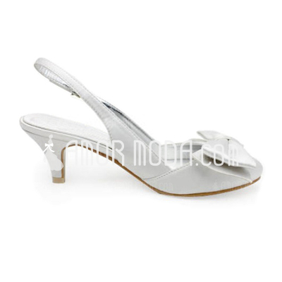 Vrouwen Satijn Low Heel Closed Toe Pumps Slingbacks met Strik Gesp (047010770)
