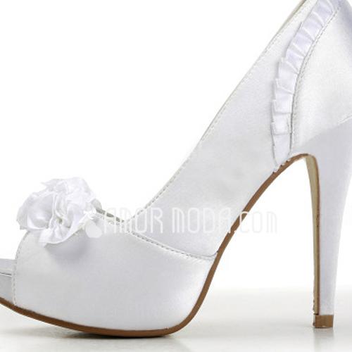 Vrouwen Satijn Stiletto Heel Peep Toe Plateau Sandalen met Satijnen Bloem (047011826)