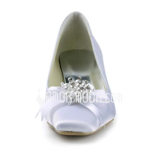 Vrouwen Satijn Chunky Heel Closed Toe Pumps met Kraalwerk Strik Imitatie Parel (047011852)