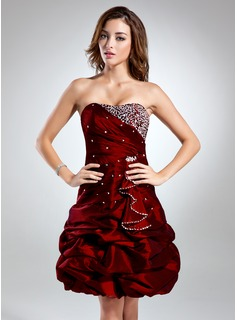 Cheap Prom Dresses A-Line/Princess Sweetheart Knee-Length Taffeta Cocktail Dress With Ruffle Beading (016015529)