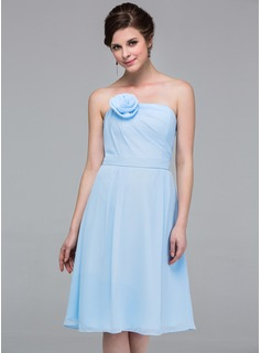 A-Line/Princess Strapless Knee-Length Chiffon Bridesmaid Dress With Ruffle Flower(s) (007037294)