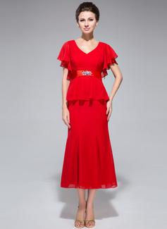 Trompete/Meerjungfrau-Linie V-Ausschnitt Wadenlang Chiffon Kleid für die Brautmutter mit Perlen verziert Gestufte Rüschen (008042308)