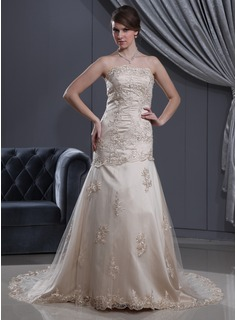 A-Line/Princess Strapless Court Train Satin Tulle Wedding Dress With Lace Beading (002012190)