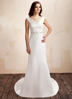 Forme Fourreau Col V Traîne moyenne Satiné Robe de mariée avec Emperler À ruban(s) (002001452)