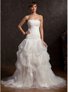A-Line/Princess Strapless Chapel Train Organza Prom Dress With Ruffle Lace Beading Split Front (018015057)