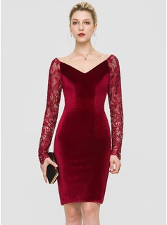 Sheath/Column V-neck Knee-Length Velvet Cocktail Dress (016189334)