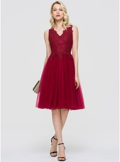 A-Line V-neck Knee-Length Tulle Cocktail Dress (016189308)