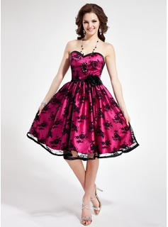 A-Line/Princess Sweetheart Knee-Length Charmeuse Lace Homecoming Dress With Flower(s) (022019675)