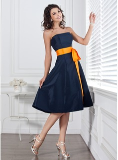 A-Line/Princess Strapless Knee-Length Taffeta Bridesmaid Dress With Sash Bow(s) (007004106)