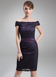 Etui-Linie Schulterfrei Knielang Charmeuse Spitze Kleid für die Brautmutter (008006436)