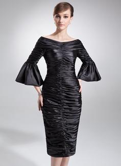 Etui-Linie Schulterfrei Knielang Charmeuse Kleid für die Brautmutter mit Rüschen (008006229)