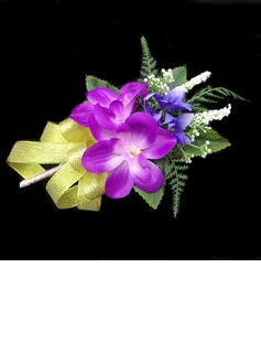 Bright Free-Form Satin/Cotton Boutonniere (123031438)