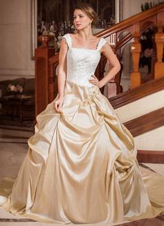 Forme Marquise Sans bretelle Encolure carrée Traîne chappelle Taffeta Robe de mariée avec Plissé Dentelle Emperler (002012029)