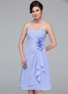 A-Line/Princess Sweetheart Knee-Length Chiffon Bridesmaid Dress With Flower(s) Cascading Ruffles (007037215)