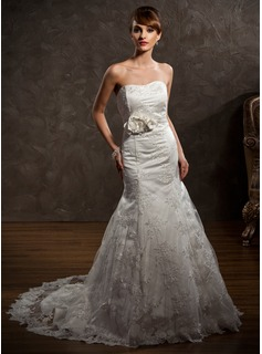 Trumpet/Mermaid Sweetheart Chapel Train Satin Lace Wedding Dress With Beading Flower(s) (002000427)