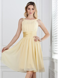 Bridesmaid Dresses A-Line/Princess Scoop Neck Knee-Length Chiffon Charmeuse Bridesmaid Dress With Ruffle (007004142)