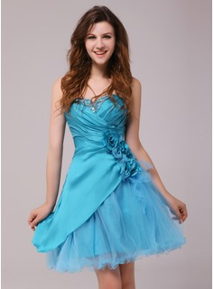 Cocktail Dresses A-Line/Princess Sweetheart Knee-Length Taffeta Tulle Cocktail Dress With Ruffle Beading Flower(s) (016013972)