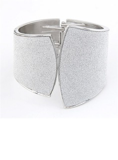 Unique Alloy Women's Bracelets (011034875)