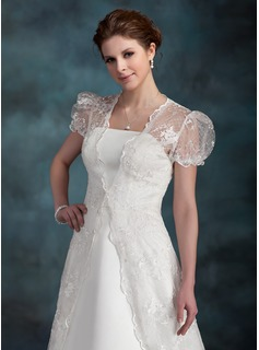 Short Sleeve Lace Wedding Wrap (013022601)