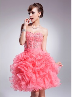 A-Line/Princess Sweetheart Knee-Length Organza Homecoming Dress With Beading Sequins Cascading Ruffles (022009030)