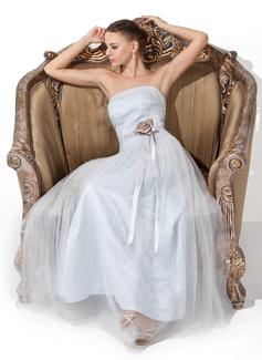 Forme Princesse Sans bretelle Longueur au sol Tulle Charmeuse Robe bal d'étudiant avec Plissé Ceintures Fleur(s) (018021132)