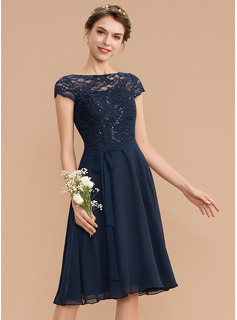 A-Line Scoop Neck Knee-Length Chiffon Lace Homecoming Dress With Sequins Bow(s) (022204156)