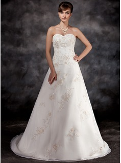 A-Line/Princess Sweetheart Court Train Organza Wedding Dress With Beading Appliques Lace (002016932)