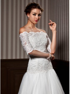 Half-Sleeve Lace Wedding Wrap (013020080)