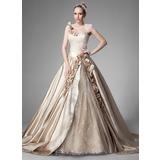 Corte de baile Un sólo hombro Cola capilla Satén Vestido de novia con Volantes Bordado Flores (002004515)