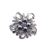 Chic Alloy/Imitation Pearls With Imitation Pearls Ladies' Brooch (011201120)
