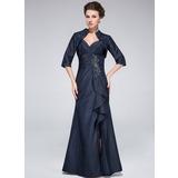 Trompete/Meerjungfrau-Linie Herzausschnitt Bodenlang Taft Kleid für die Brautmutter mit Perlen verziert Schlitz Vorn Gestufte Rüschen (008025374)