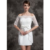 Forme Fourreau Epaules nues Court/Mini Satiné Dentelle Robe de mariée avec À ruban(s) (002015014)