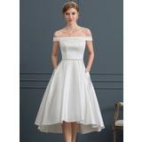 Duchesse-Linie/Princess Off-the-Schulter Asymmetrisch Satin Brautkleid mit Perlstickerei Taschen (002171961)