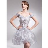 A-Line/Princess Off-the-Shoulder Short/Mini Organza Homecoming Dress With Ruffle Beading Sequins (022008945)