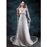 Jacka V-ringning Court släp Satäng Bröllopsklänning med Pärlbrodering (002012749)