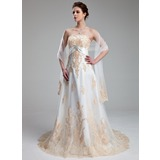 Empire Sweetheart Court Train Tulle Wedding Dress With Appliques Lace Crystal Brooch (002011662)