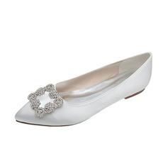 Vrouwen Satijn Flat Heel Closed Toe Flats met Strass (047053913)