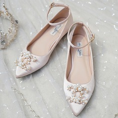 Women's Satin Flat Heel Closed Toe Flats With Pearl (047201446)