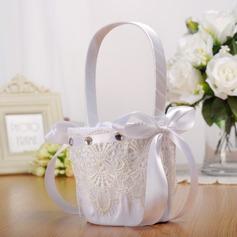 Elegante Cesto di fiori in Panno con Nastri/Pizzo (102169058)