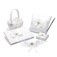 Collection Set in Satin With Pearl Accents (100018002)