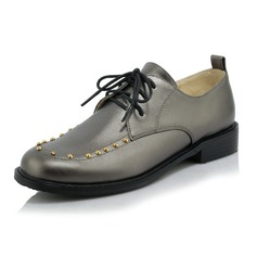 Women's Leatherette Low Heel Flats Closed Toe With Rivet Lace-up shoes (086095283)