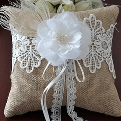 Elegant Ring Pillow in Linen With Flowers (103190789)