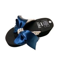 Frauen Stoff Keil Absatz Sandalen Flip Flops mit Nachahmungen von Perlen Schuhe (087089793)