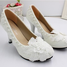 Women's Leatherette Spool Heel Closed Toe Pumps With Flower (047201452)