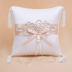 Elegant Ring Pillow (103022564)