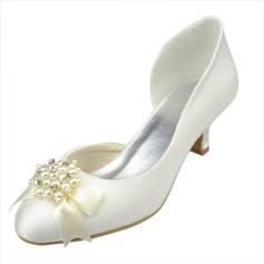 Frauen Satin Kätzchen Absatz Geschlossene Zehe Absatzschuhe mit Des Bowknot Nachahmungen von Perlen Strass (047063627)