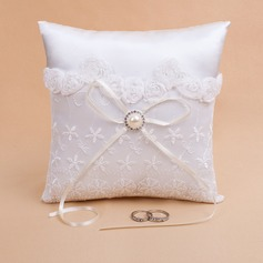 Lovely Ring Pillow in Satin With Pearl/Lace (103018231)