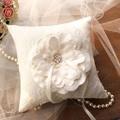 Elegante Anello Cuscino in Seta (103143823)
